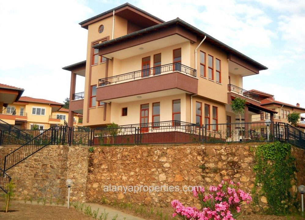 sch ne 3 1 villa zu verkaufen in kargicak alanya immobilien in alanya kargicak. Black Bedroom Furniture Sets. Home Design Ideas