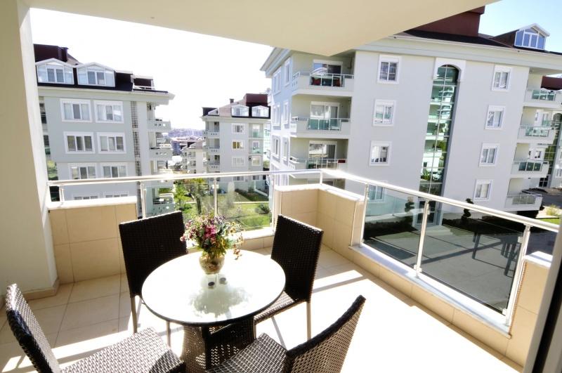 <b>AL-447 - Rooms :</b> 3 | <b>Bedrooms :</b> 2 | <b>Living Space :</b> 110m&#178; | <b>Year:</b> 2011 | <b>Price :</b>&euro; 105,000
