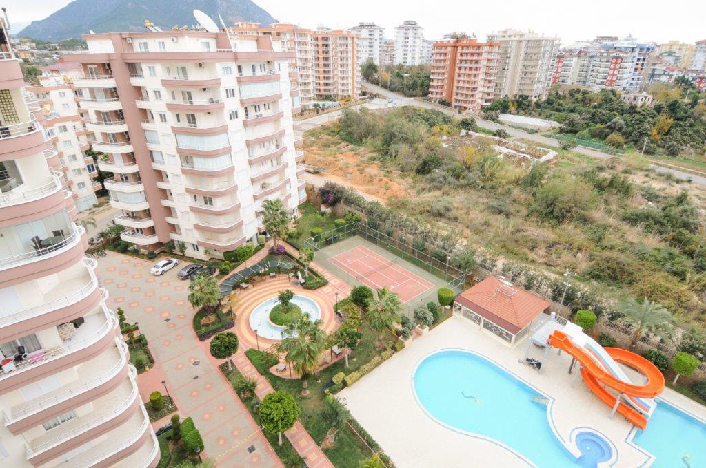 Prachtig ingericht duplex penthouse met zeezicht in Tosmur, Alanya