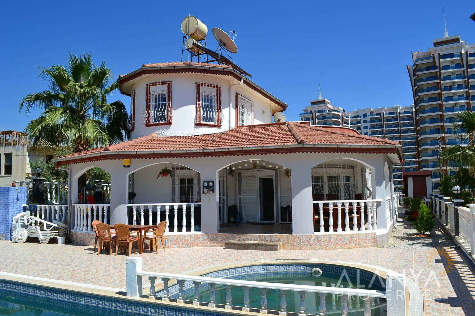 Villa te koop 3 slaapkamers, volledig gemeubileerd in Mahmutlar, Alanya