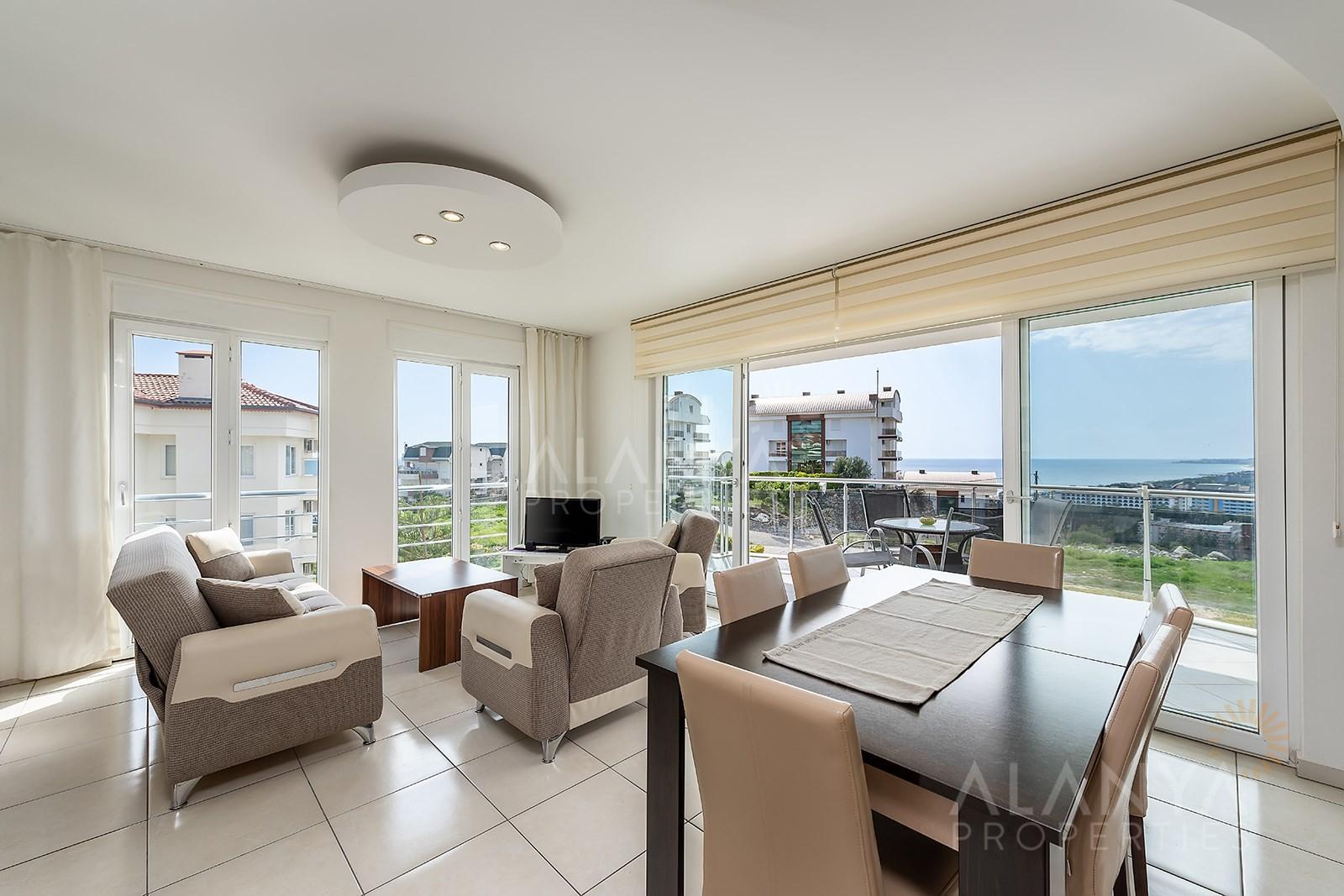 Sunset Beach - Konaklı sitesinde satılık üç yatak odalı dubleks daire