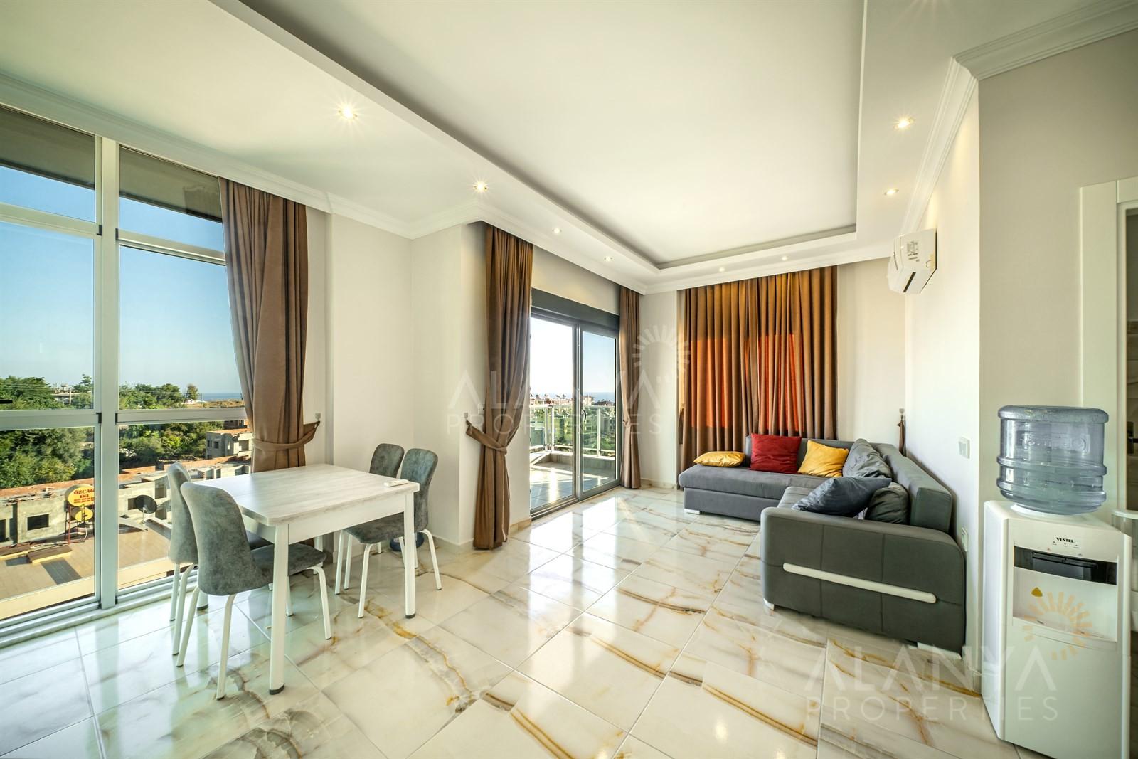 Duplex Penthouse 3 slaapkamers in kleine complex te koop in Kestel, Alanya