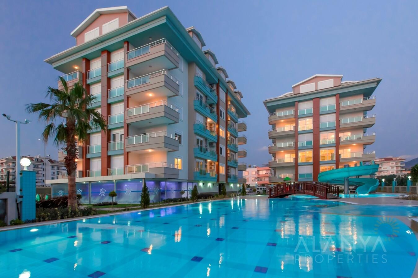 Appartement in gezellig complex direct aan zee in Kestel, Alanya