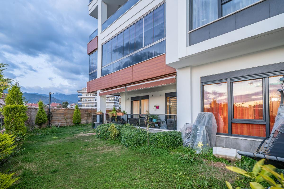 5 Slaapkamer Appartement met Tuin in Oba / Alanya
